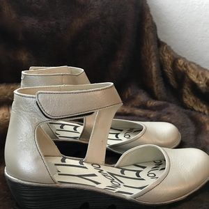 Fly London shoe with slight wedge.